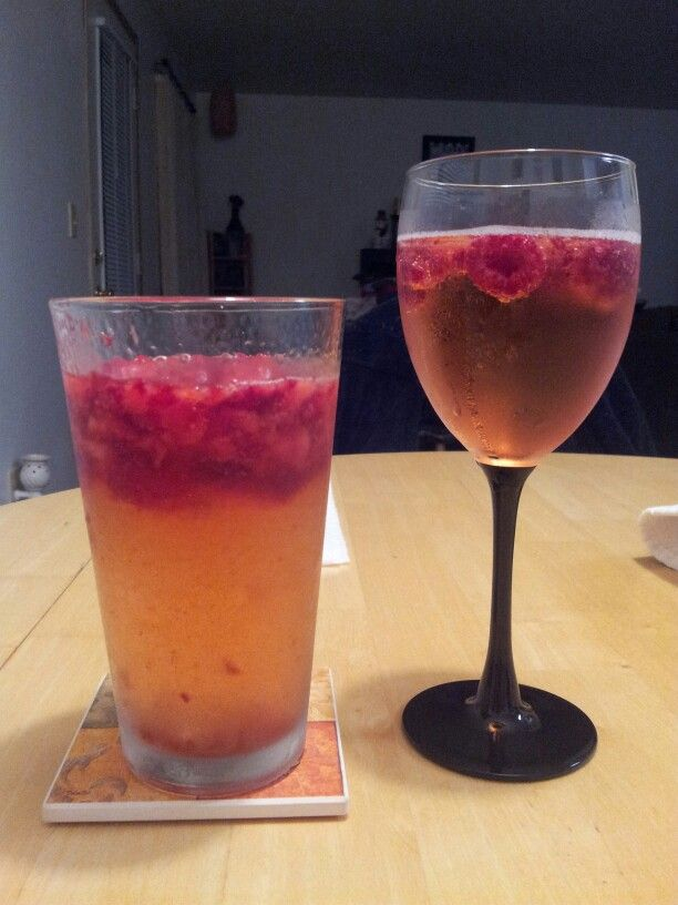 Sparkling wine with rasberries and a vanilla vodka with for Best alcohol to mix with cranberry juice