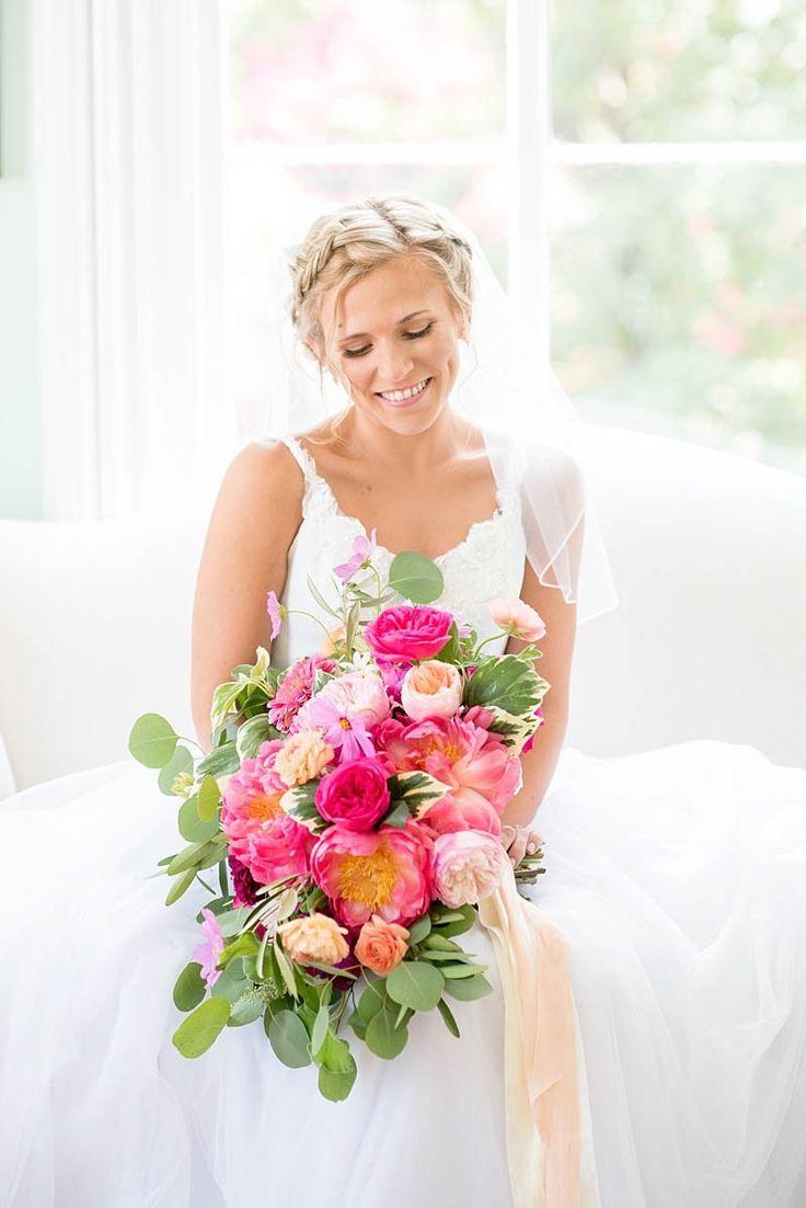 STYLISH FLORAL & FOLIAGE MERRIMON WYNNE HOUSE WEDDING | VIBRANT COLORFUL BOUQUET | VISIT WWW.BESPOKE-BRIDE.COM FOR MORE WEDDING IDEAS
