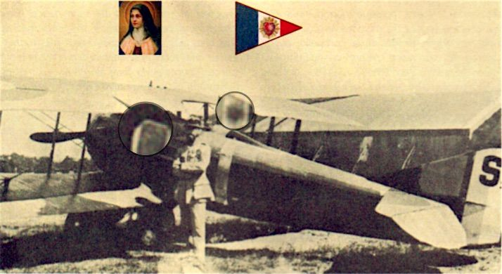 Léon Bourjade 1918. En médaillon, l'image de Ste Thérèse fixée sur le capot, sous les mâts de cabane, et le fanion tricolore à l'insigne du Sacré-Coeur. Avions n°158 2007 /  « God, who wanted to preserve me » he writes, « used the dead Little Teresa' to inspire me with the confidence which was the source of all my courage « As I loved to make her known and give public testimony of my faith in her. I had her picture framed on the outside of my plane » ./…