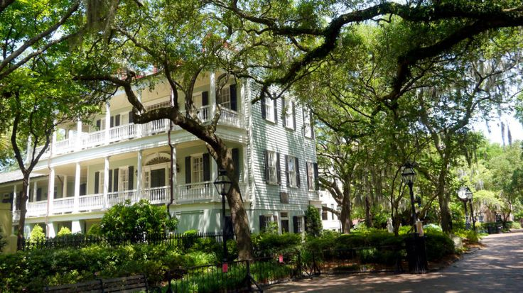 Betoverend Charleston, de stad met koetsen, houten huizen en oude katoenplantages. En de stad waar romantische films als the Notebook zijn opgenomen!  http://www.soetkees.nl/bestemmingen/noord-amerika/194-charleston