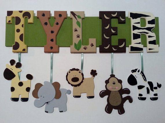 Splendidamente dipinte, segno di nome a tema giungla personalizzata con il nome del vostro bambino a mano: o)    Questa è la lista per un nome di