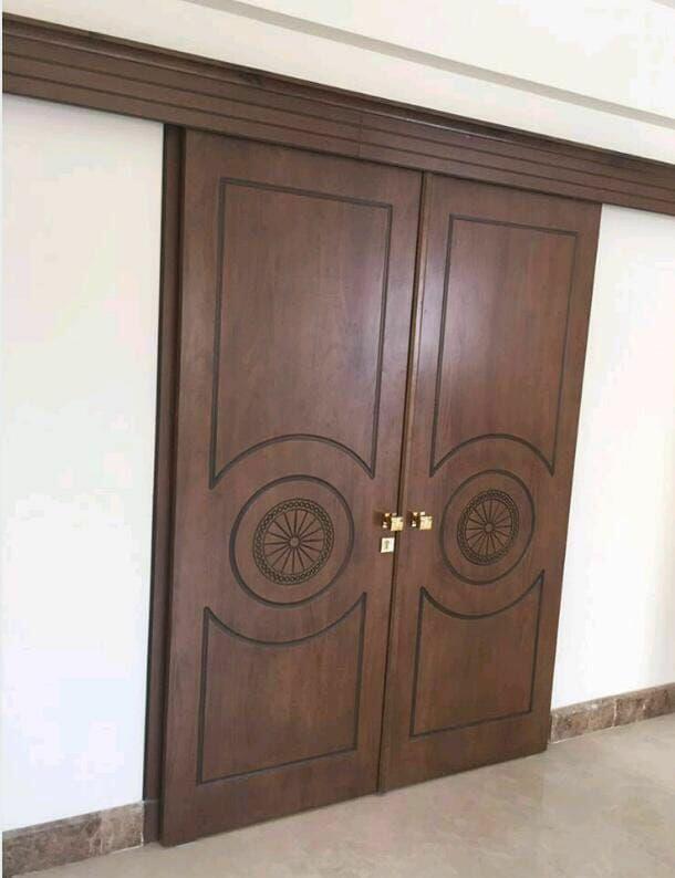 Pin By البيوت الانيقة للنوافذ والابوا On صور ابواب سحب مودرن في الرياض Furniture Decor My House