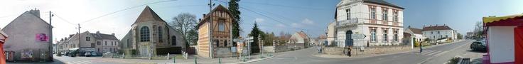 Eglise Saint-Pierre-Saint-Nicolas et mairie de Mortcerf - 2005