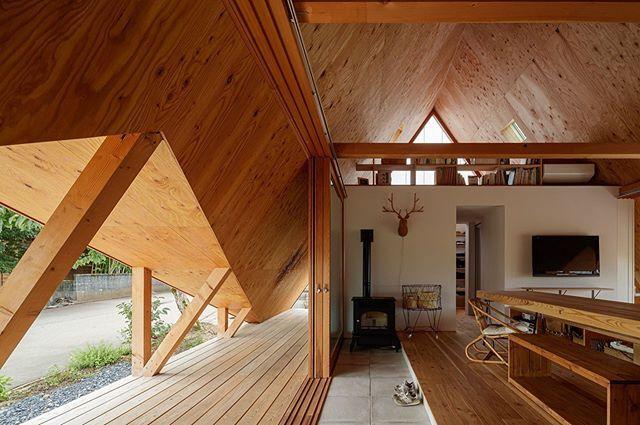 新建築住宅特集2020年2月号は 木造住宅を特集しています 小径材の