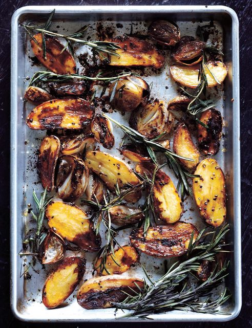 Balsamic Baked Potatoes: Paul Magazines, Potatoes Recipes, Baked Potatoes, Side Dishes, Baking Potatoes, Roasted Potatoes, Balsamic Baking, Sweet Paul, Balsamic Roasted
