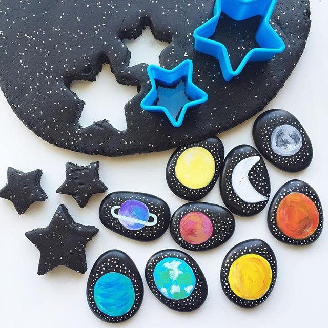 Quick & easy SPACE themed #invitationtoplay for this afternoon's after school activity! ⭐️ |  Miss2 asks for our black, sparkly playdough just about every day! & Mr3 is always activity keen when our Space Story Stones are involved!   Have you downloaded our FREE soft & squishy taste-safe playdough recipe printable from our website? www.acraftyliving.com #craftyliving #craftylivingkids