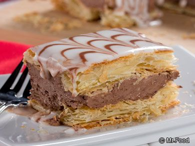 Chocolate Napoleons - Make your own bakery-style pastry right at home with this easy recipe. It's easy to make them look bakery-fancy, too!