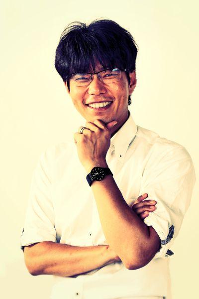 ゲスト◇橋爪良博(Yoshihiro Hashizume) 大手メーカーにて設計開発業務に従事した後、当時廃業寸前であった父親の経営する会社を2010年に承継。たった1人での事業承継であったが、すぐさま下請け製造業から設計会社に事業転換。最新の3次元ツールを使い数多くの実績を上げ、事業を急速に拡大中。現在16名を雇用するに至る。その他、行政と連携し完全地産のご当地お土産プロジェクトを発案、主導。1年間で1万個を販売。 アイデアを迅速に形に出来る、日本で一番頼られる設計会社を目指して奮闘中。 有限会社スワニー http://www.swany-ina.com/