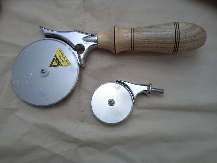 """4"""" diameter pizza cutter with custom dunnage handle $31"""