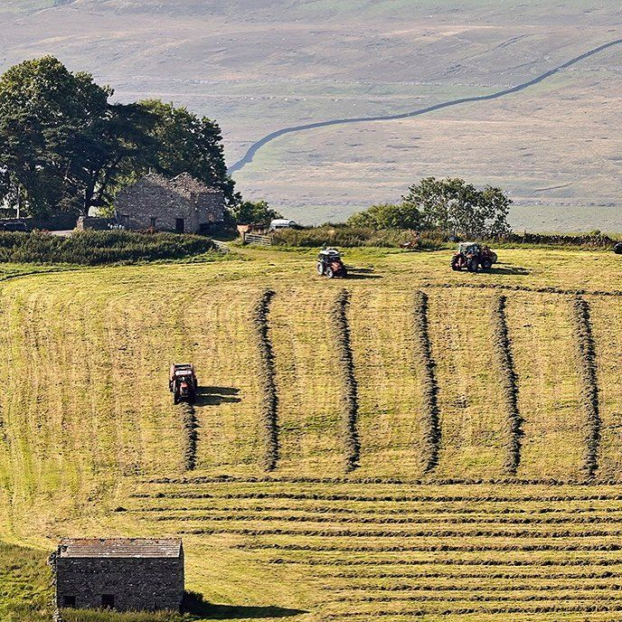 Country Life Magazine 🚜Paul Hunter's image of silaging in Raydale is the winner of the Yorkshire Dales photography competition, run by the Yorkshire Dales Millennium Trust and Yorkshire Cottages. It will appear in the trust's 2018 calendar (www.ydmt.org)  . . .