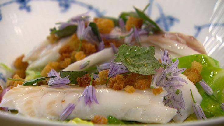 Bagt torsk med sommergrønt i muslingesauce