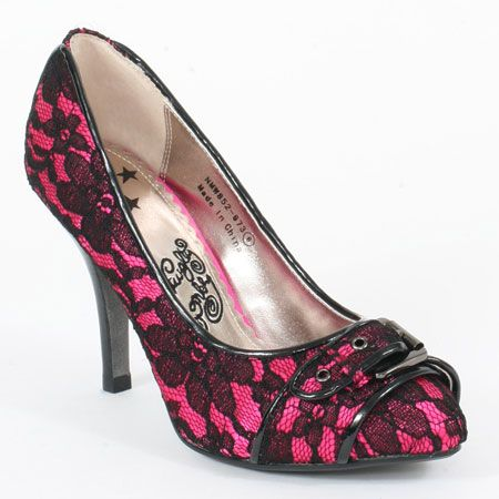 1000  images about {Draculaura} Shoes on Pinterest | Spikes, Pink ...