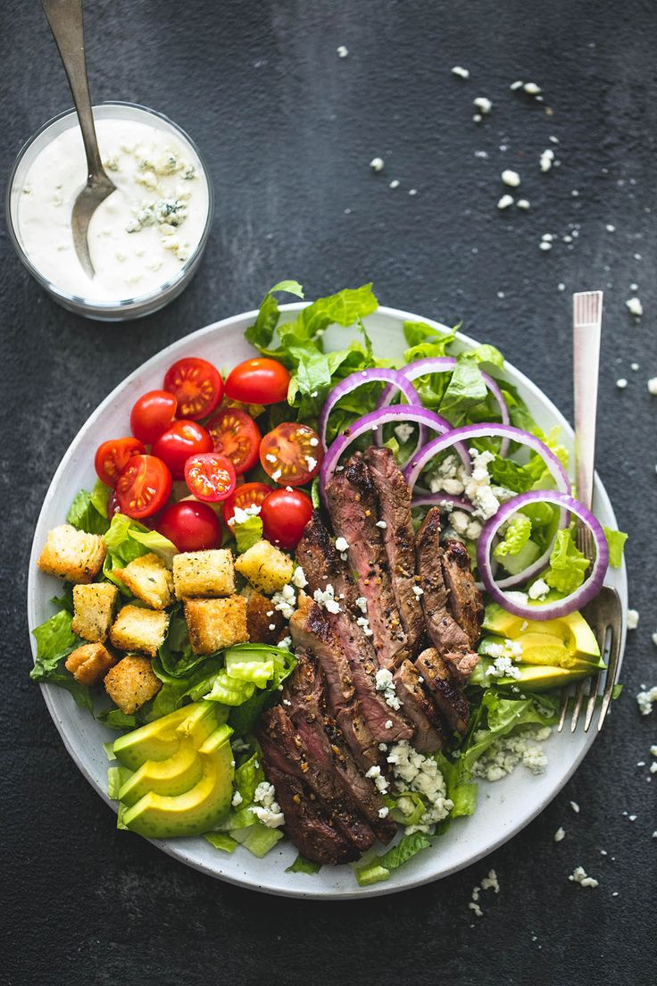 Black n' Blue Grilled Steak Salad | www.lecremedelacrumb.com