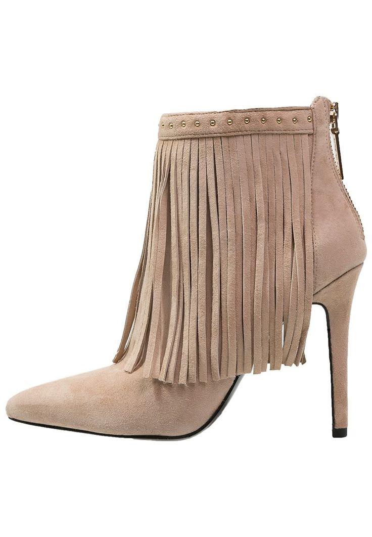 Pierre Balmain botki nude z frędzlami Ankle boot taupe