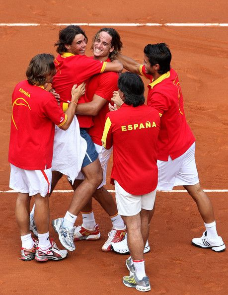 Rafael Nadal,Feliciano Lopez,David Ferrer,Fernando Verdasco,Davis Cup coach Emilio Sanchez Vicario  celebrate at the end of the third and final day of the semi final Davis Cup match between Spain and the United States at the Plaza de Toros Las Ventas on September 21, 2008 in Madrid, Spain. Spain sealed a slot in the 2008 Davis Cup final with a 5-0 victory over the United States.