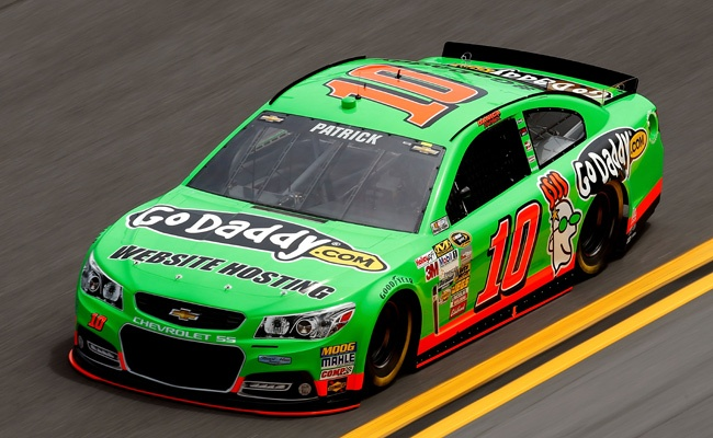 NASCAR CUP: Danica Patrick Becomes First Woman To Win Cup Pole http://RacingNewsNetwork.com/2013/02/17/nascar-cup-danica-patrick-becomes-first-woman-to-win-cup-pole/