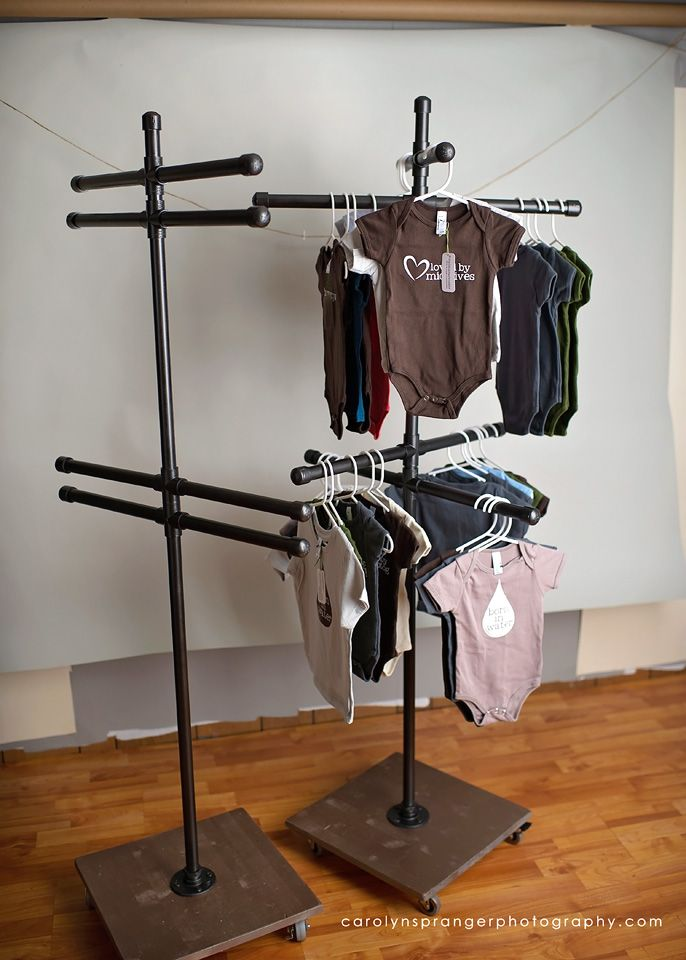 rolling vendor fair clothing display. perfect for small clothing items or purses. DIY with instructions!