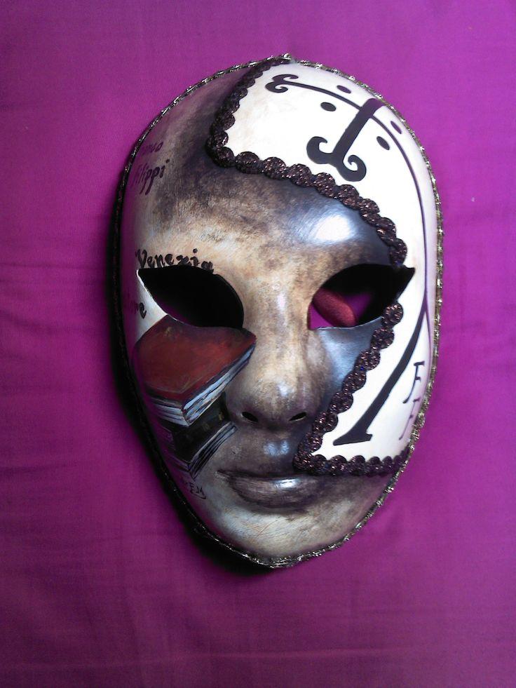 Venetian Artistic Mask. www.artjennifer.wordpress.com   #Venezia #Maschere #Venice #Masks #ArtisticMasks #VenetianMasks #Art #AcrilicPaintings #Carnival #JenniferEgista #HotelCasaPetrarca