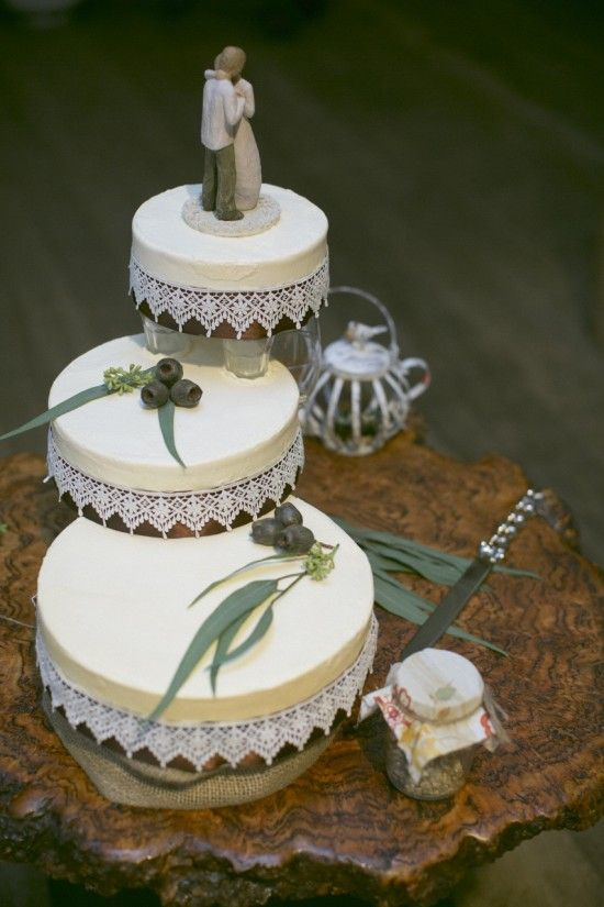 how much is a wedding cake australia best 25 bush wedding ideas on posy flower 15505
