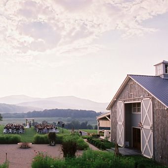 Romantic Wedding Venues in the US - Pippin Hill Farm & Vineyard, Charlottesville, VA! CAN YOU SAY STUNNING?!