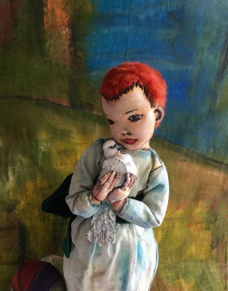 """Купить Текстильная кукла """"ДЕВОЧКА с ГОЛУБЕМ"""" по мотивам Пикассо - голубой, текстильная кукла, авторская кукла"""