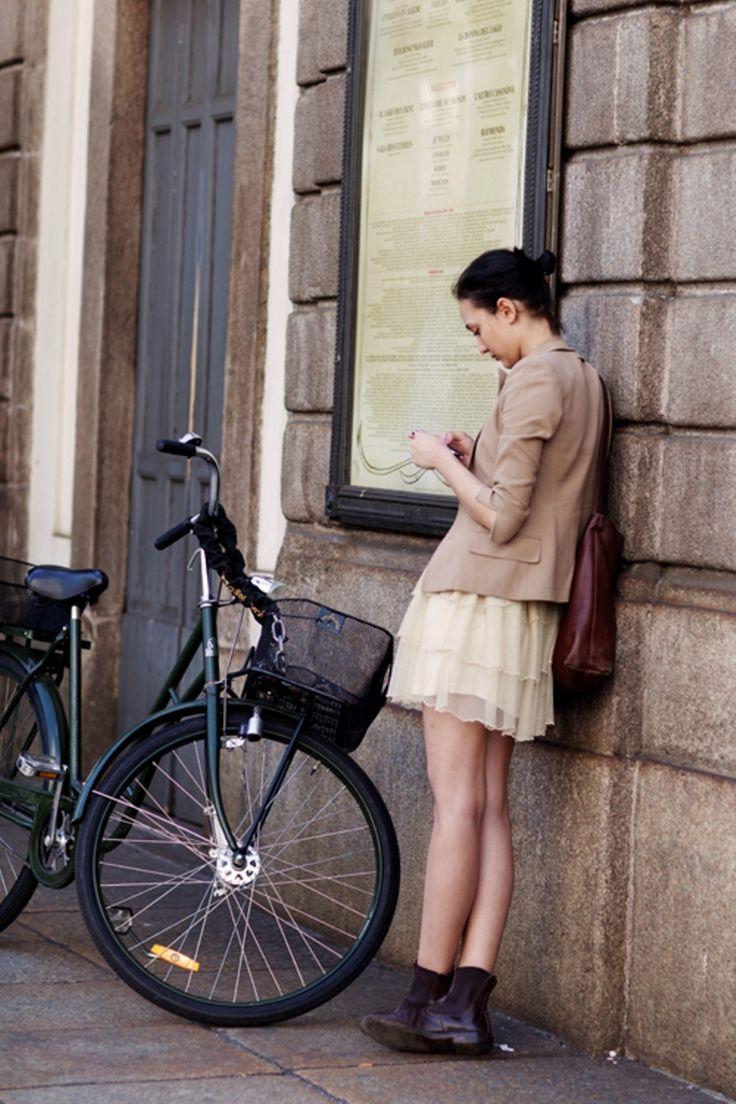 Love girls with nice style and nice bikes!