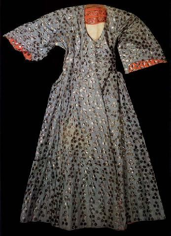 Robe associated with Murat III (1574-95). Dark blue and doubled in white satin, 16th century    Istanbul Turkey