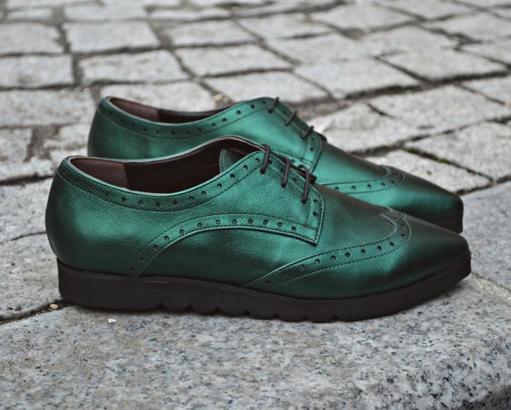 #fallwinter #collection #the5thelementshoes #rosettishowroom #green #leather #flatforms