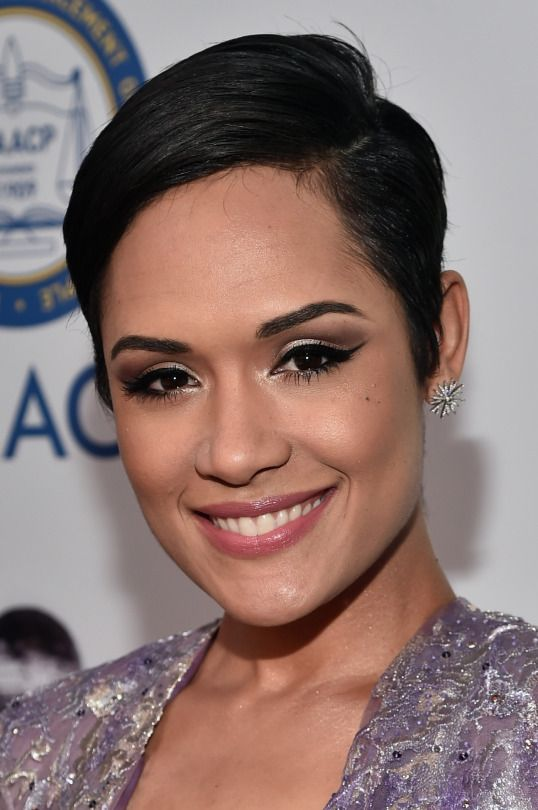 Grace Gealey Nude Photos 21