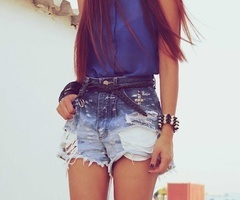 wear hair straight with destroyed shorts