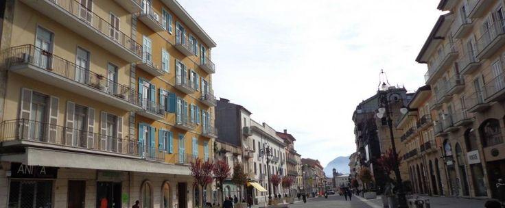 Ufficio su Corso Vittorio Emanuele di ca 85 mq e composto da ingresso, tre vani e bagno.