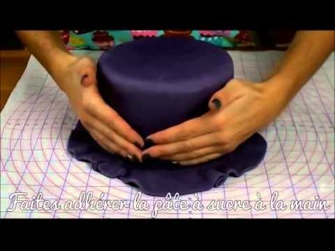 Tutoriel : Recouvrir un gâteau de pâte à sucre - YouTube