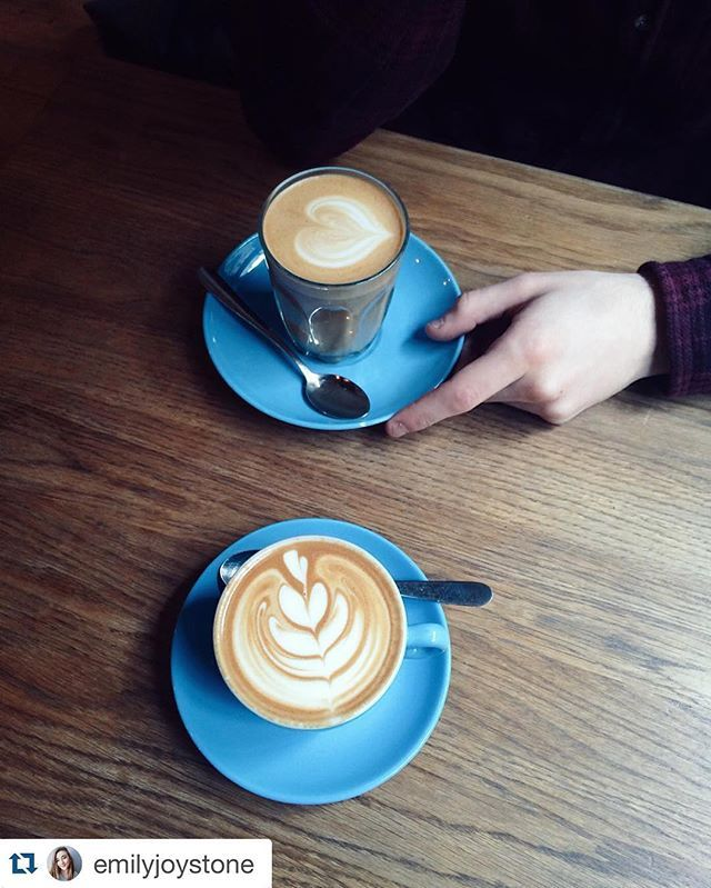 We've decided, that we have so many lovely pictures from our customers that we are going to publish one photo a week. Tag #smallstespresso if you would like to be featured. First photo-crush is going to @emilyjoystone   #coffee #latteart #barista #blue #Bristol #sunnyfunday