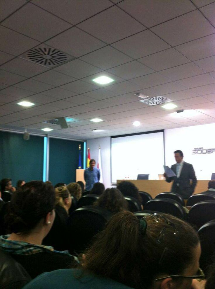 Del Viajero Social al Wearable, taller impartido para la Consejería del Gobierno de Cantabria #socialsdr #disfrutacantabria http://bit.ly/viajerosocialwearable