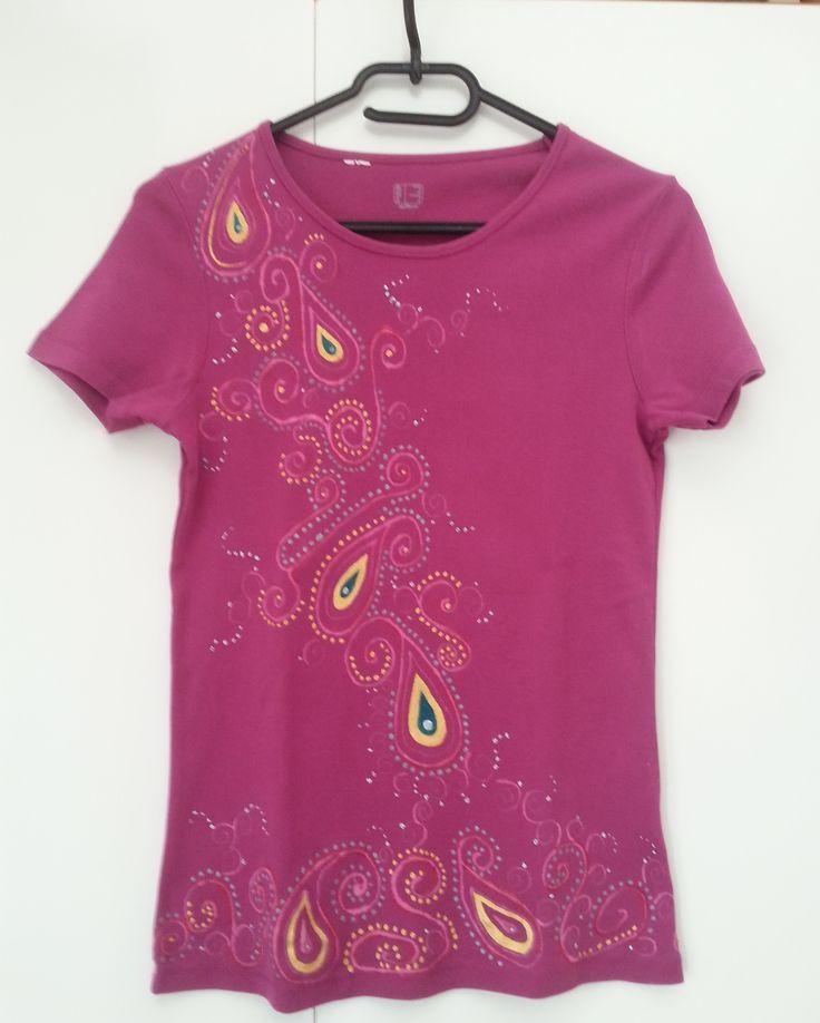 Maglietta fucsia in stile indiano (davanti) - pittura su stoffa
