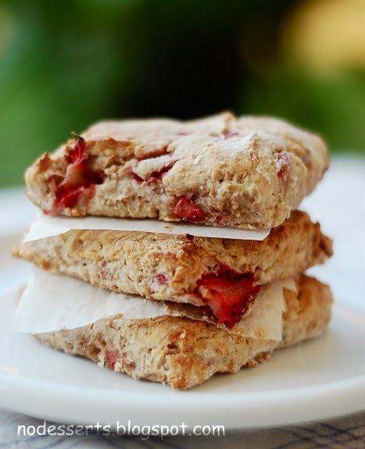 Strawberry, Ricotta, and Yogurt Scones | p i e | t a r t | Pinterest