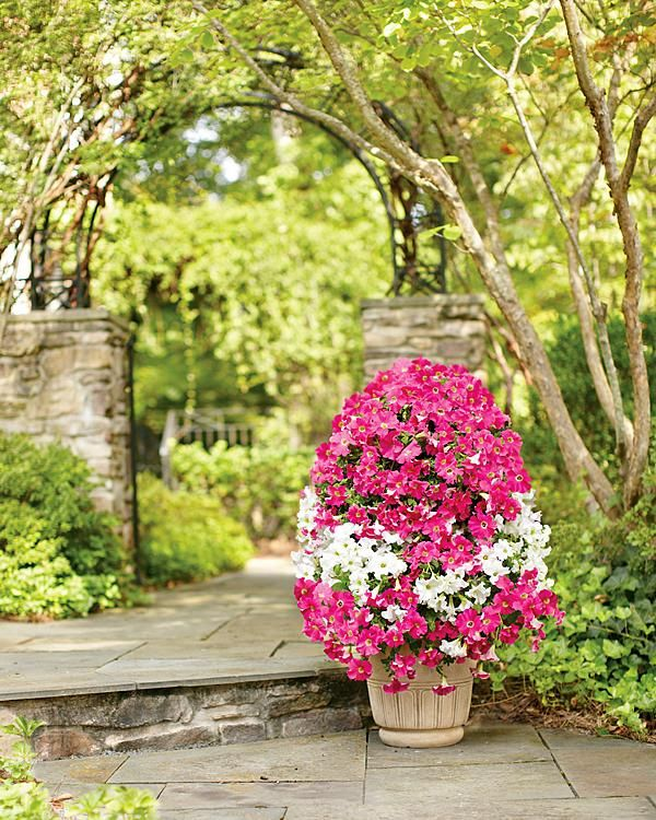 Think tall! This DIY flower tower is sure to impress your guests this spring!
