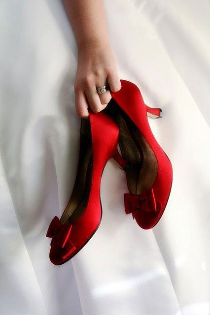 Zapatos rojos de novia