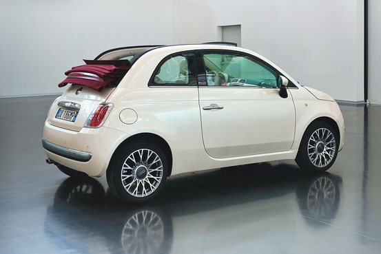 Fiat 500. I want. So cute.