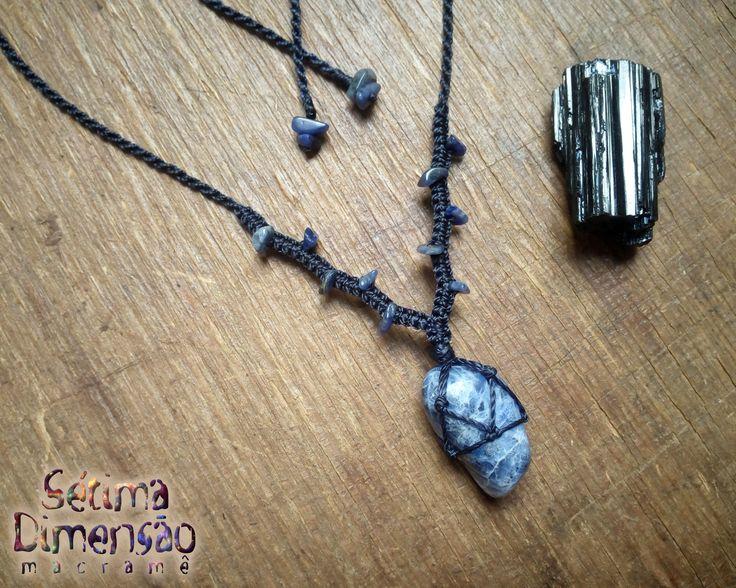 Colar de macramê, macramê, pedra natural, Sodalita, Lápis Lazuli, pedra rolada Macrame necklace, macrame, natural stone, Sodalite, Lapis Lazuli, tumbling stone