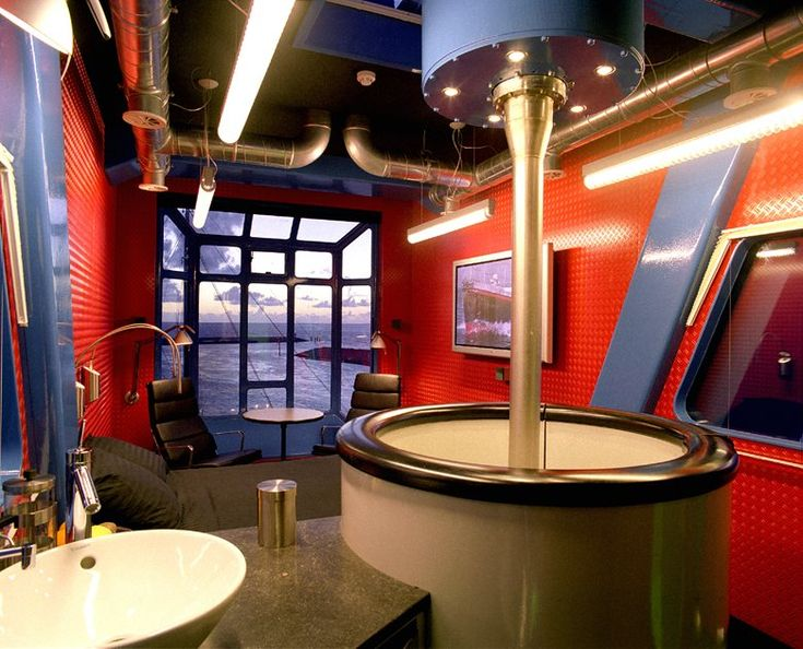 "The address for exceptional staysUnusual accommodation in Friesland. A complete unique experience in Harlingen, Friesland. Do you dream ever!LIGHTHOUSE - VUURTOREN""In February 1998, I extinguished the light. The lighthouse lost its function..."