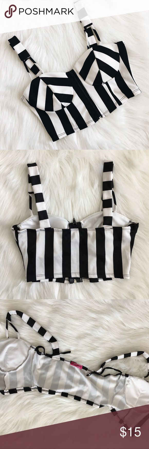 Zip up Corset Cropped Top Stripes Black and White Zips up in the front Stripes Black and white Padded chest Size Medium From Body Central  Good condition Body Central Tops Crop Tops
