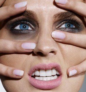 As olheiras em sua maioria aparecem sem que a pessoa saiba realmente a causa da aparição, além disso, algumas pessoas não sabem exatamente como tratá-las