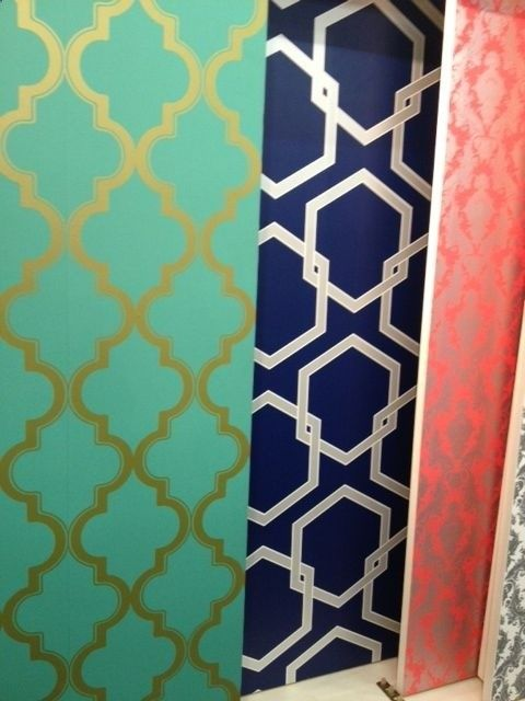 Temporary wallpaper! Changes a whole room on just one wall, love love loooooove! Interesting concept...would be cool to add some color to a dorm room!