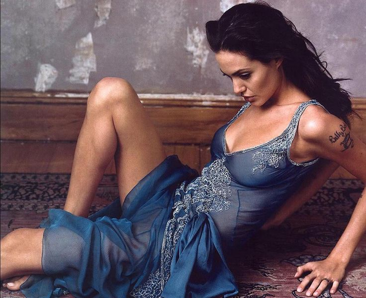 Angelina Jolie photographed by Annie Leibovitz, 2002