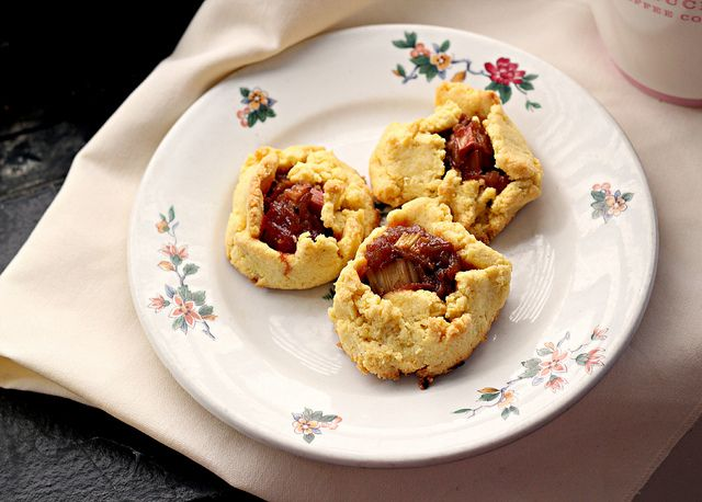 Rustic Rhubarb Tartlets and a GIVEAWAY | Rustic, Tarts and Recipe