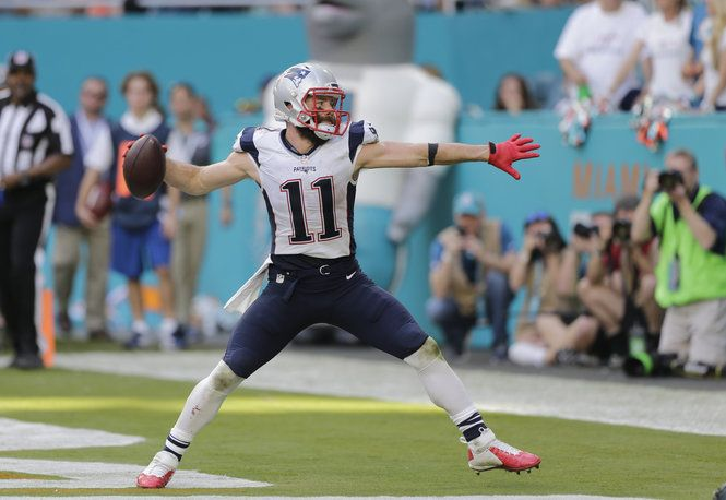 New England Patriots WR Julian Edelman's career-best regular season was topped off with the AFC Player of the Week award for his performance against the Dolphins this past Sunday.