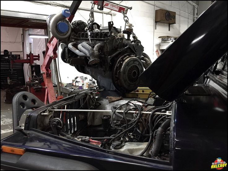 Engine upgraded with a Vortech supercharger system going into a 1991 Jeep YJ. ______________________________ ---------------------------------------------- #Axleboy #offroad #jeep #wrangler #yj #supercharger #vortex #engine #mechanic #jeepshop #jeepthing #stl #stpeters #missouri #performance #4x4 #4wd #olllllllo