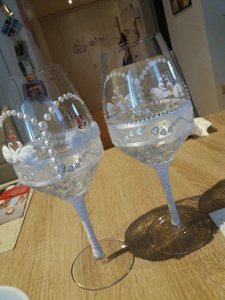 dekorierte Weingläser