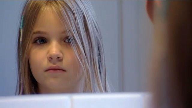 Wilma retar Oscar för hans röda hår. När klassen har julpyssel ser Bella att Wilmas elakheter går för långt.